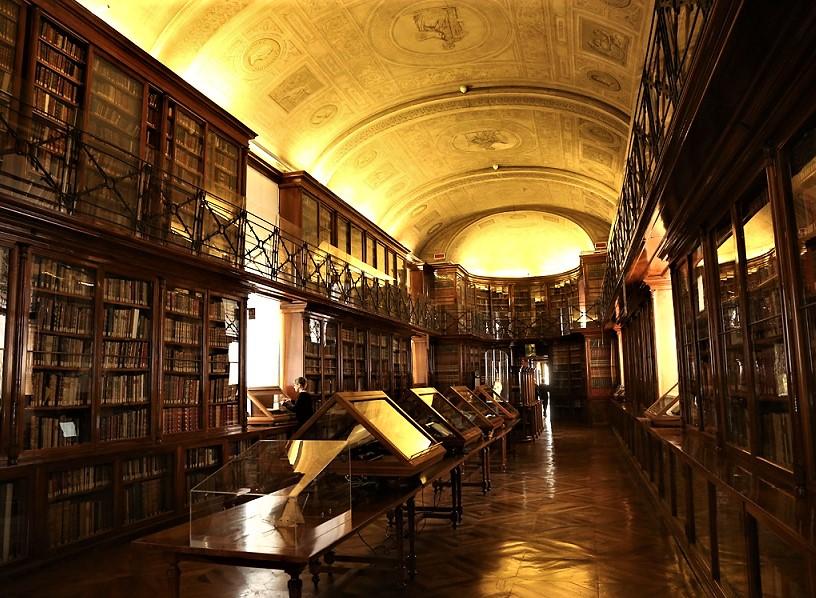 La cura di carta in Biblioteca Reale